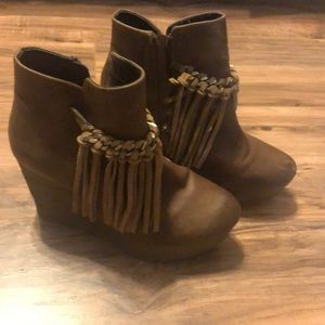 Cute booties! Size 8